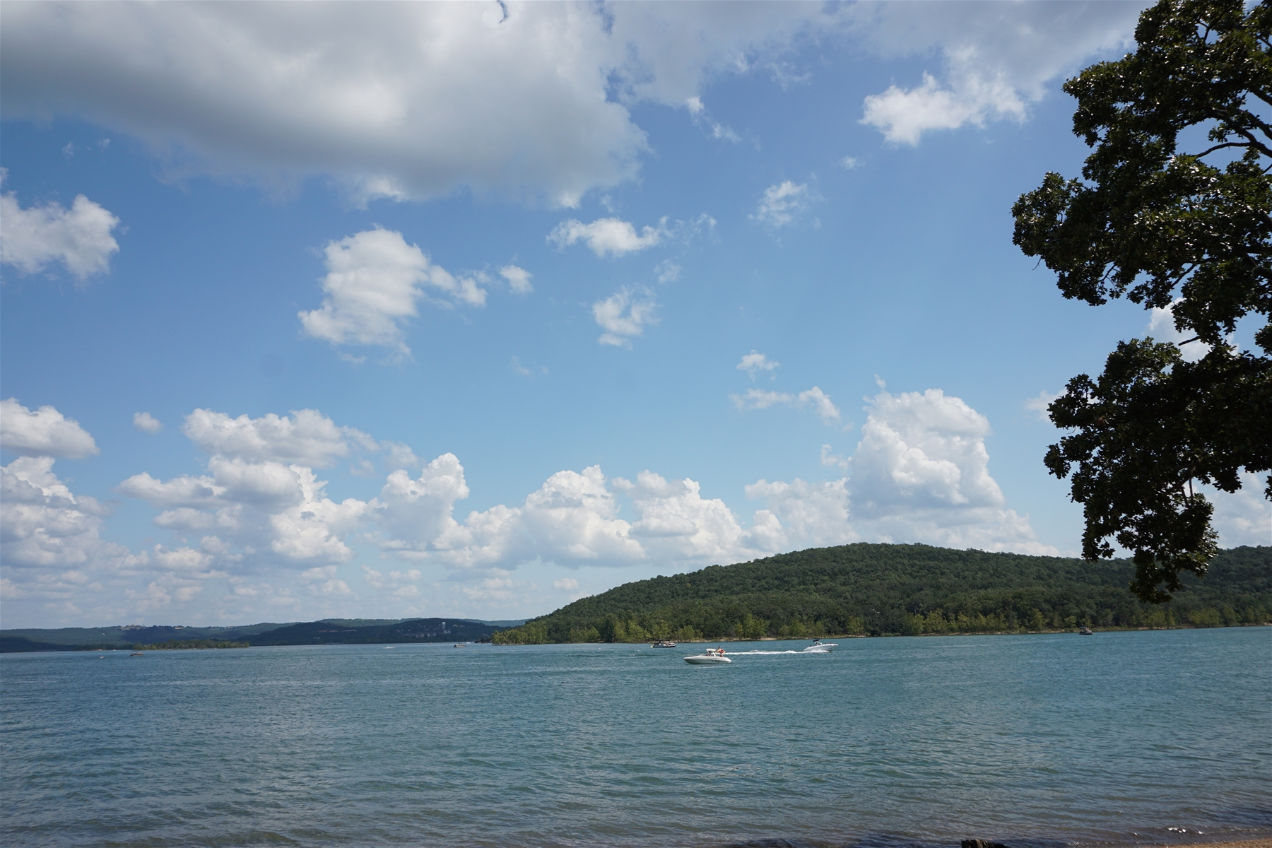 Go Boating on Table Rock Lake!